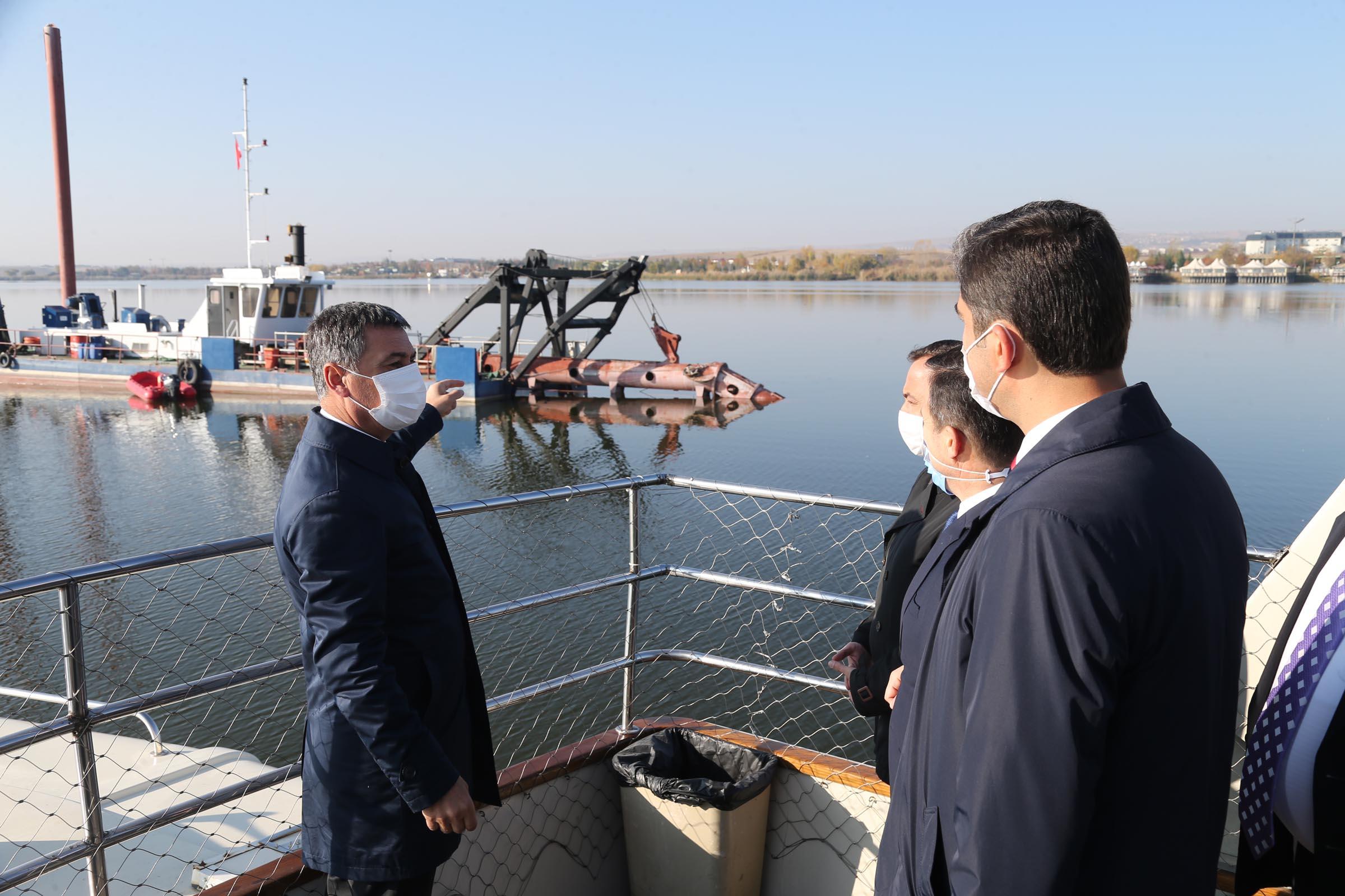 """Mogan Gölü'ndeki İkinci Etap Temizlik Çalışmaları Başladı """"Ankara'nın Yeşil Kenti Gölbaşı"""""""